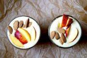 Persika-kokos-smoothie för att starta dagen