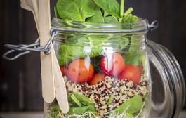 Salad in a jar med fransk dressing